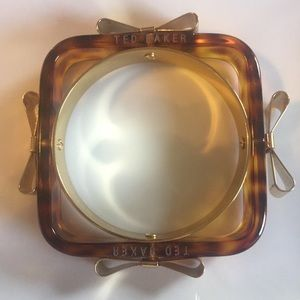 Ted Baker Tortoise Shell Colored Bangle w/ Bows